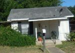 Foreclosed Home in Pleasanton 78064 MARTIN ST - Property ID: 4161314612