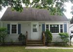 Foreclosed Home in East Hartford 06118 BREWER ST - Property ID: 4161701340