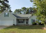 Foreclosed Home in Hope Mills 28348 PIONEER DR - Property ID: 4163945518