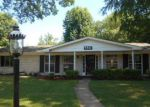 Foreclosed Home in Saint Louis 63137 GREEN ACRES RD - Property ID: 4189124199