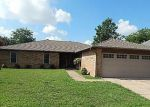 Foreclosed Home in Oklahoma City 73110 DAMRON DR - Property ID: 4189673428