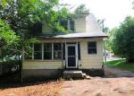 Foreclosed Home in Meriden 6450 HALL AVE - Property ID: 4189844228