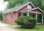 Foreclosed Home in Lansing 48906 BURTON ST - Property ID: 4190720625