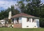 Foreclosed Home in Oak Park 48237 KENWOOD ST - Property ID: 4191134509