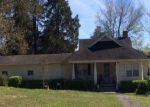 Foreclosed Home in Speedwell 37870 OLD MIDDLESBORO HWY - Property ID: 4193114590