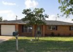 Foreclosed Home in Seminole 79360 W AVENUE A - Property ID: 4194429382