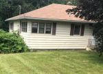 Foreclosed Home in Watertown 06795 BUNKER HILL RD - Property ID: 4194872620