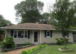 Foreclosed Home in Mastic 11950 APPLEGATE DR - Property ID: 4195566812