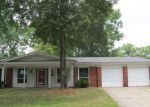 Foreclosed Home in Alton 62002 WEDGEWOOD DR - Property ID: 4195802433