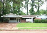 Foreclosed Home in Alexandria 71301 YOHO DR - Property ID: 4196080552