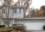 Foreclosed Home in Waterford 48327 ROLLING HILLS DR - Property ID: 4196306542