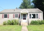 Foreclosed Home in Meriden 06450 ROUND HILL RD - Property ID: 4196411659