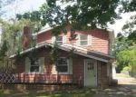 Foreclosed Home in Mastic 11950 PENTMOOR DR - Property ID: 4198970743