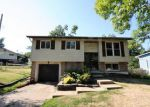 Foreclosed Home in Saint Louis 63129 W MARSEILLE DR - Property ID: 4199235720