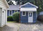 Foreclosed Home in Waterford 48329 WHITFIELD DR - Property ID: 4199268113
