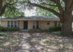 Foreclosed Home in Dallas 75203 ARGYLE AVE - Property ID: 4200841318