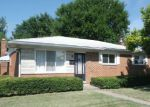 Foreclosed Home in Warren 48088 PARKER CIR - Property ID: 4201090979