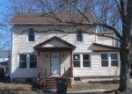 Foreclosed Home in Bridgeport 06604 WOOD AVE - Property ID: 4201861810