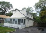 Foreclosed Home in Shirley 11967 BELMONT DR - Property ID: 4201982238