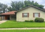 Foreclosed Home in Metairie 70002 NAPOLI DR - Property ID: 4202142544