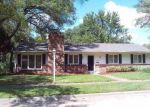 Foreclosed Home in Topeka 66604 SW 18TH TER - Property ID: 4204271987