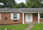 Foreclosed Home in Huntington 25705 PARKWAY DR - Property ID: 4205561819
