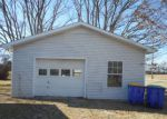 Foreclosed Home in Franklin 42134 COLONIAL DR - Property ID: 4206562132
