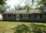 Foreclosed Home in Cedar Rapids 52402 OAKLAND RD NE - Property ID: 4207685546