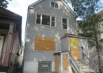 Foreclosed Home in Chicago 60617 S ESCANABA AVE - Property ID: 4210045344