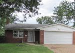 Foreclosed Home in Cincinnati 45211 MARCREST DR - Property ID: 4210836325