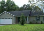 Foreclosed Home in Bowling Green 42103 D F PETTY RD - Property ID: 4212481809