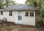Foreclosed Home in Elgin 60120 CEDAR AVE - Property ID: 4217136591