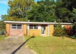 Foreclosed Home in Milton 32570 JUDY DR - Property ID: 4217636311
