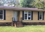 Foreclosed Home in Burgaw 28425 BELL WILLIAMS RD - Property ID: 4218523654