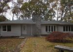 Foreclosed Home in Shelton 06484 ROCKY REST RD - Property ID: 4221205811