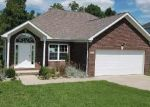 Foreclosed Home in Glasgow 42141 ASHKIRK LN - Property ID: 4222035322
