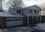 Foreclosed Home in Massillon 44646 PINE HILLS DR SW - Property ID: 4223732926