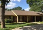 Foreclosed Home in Luling 78648 OAK CREEK CIR - Property ID: 4223827522