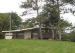 Foreclosed Home in Davenport 52804 WAVERLY CT - Property ID: 4224139797