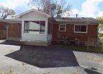 Foreclosed Home in Louisville 40218 SIX MILE LN - Property ID: 4224271625