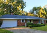 Foreclosed Home in Vicksburg 39180 LINDA ST - Property ID: 4224381104