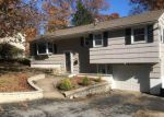 Foreclosed Home in Waterbury 06708 PARKLAWN DR - Property ID: 4225032377