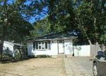Foreclosed Home in Shirley 11967 PARKWOOD DR - Property ID: 4225329775