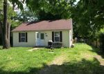 Foreclosed Home in Wood River 62095 PERSHING AVE - Property ID: 4229460744