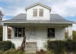 Foreclosed Home in Louisville 40216 S CRUMS LN - Property ID: 4229603967