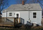 Foreclosed Home in Waterloo 50702 HAWTHORNE AVE - Property ID: 4230054189