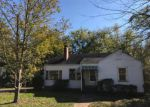 Foreclosed Home in Birmingham 35228 7TH AVE - Property ID: 4230507496