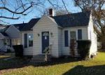 Foreclosed Home in Moline 61265 19TH AVE - Property ID: 4230810575