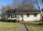 Foreclosed Home in Saint Paul 55106 BARCLAY ST - Property ID: 4230987514