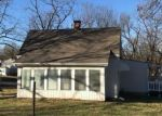 Foreclosed Home in Independence 64050 N NOLAND RD - Property ID: 4231006342